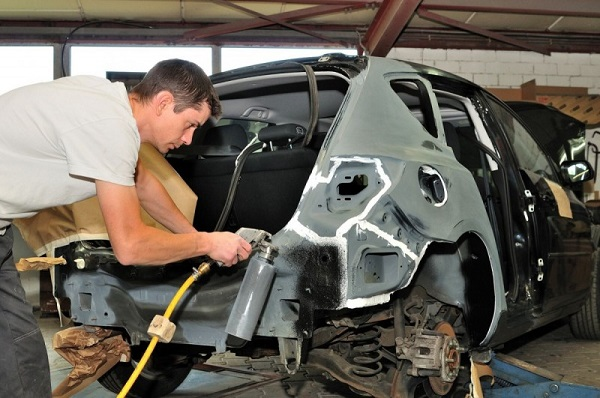 Major Differences Between Auto Body Repair and Auto Repair