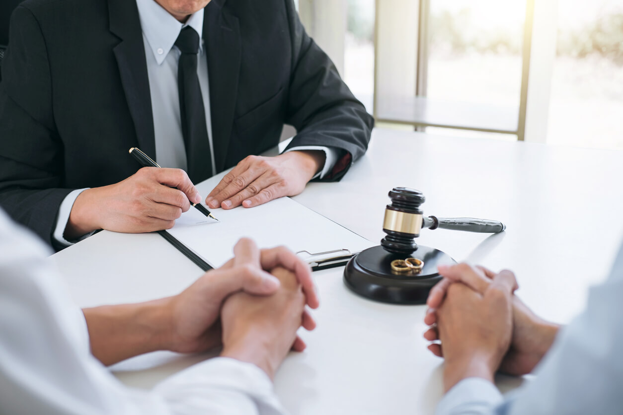 Why Picking Divorce Lawyers Carefully Can Make all the Difference in the End?