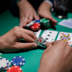Choose a Poker Table That Gives Casino like Experience